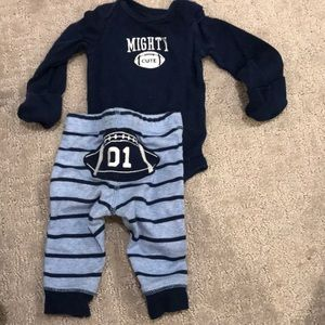 Carter's mighty cute set with hand covers newborn